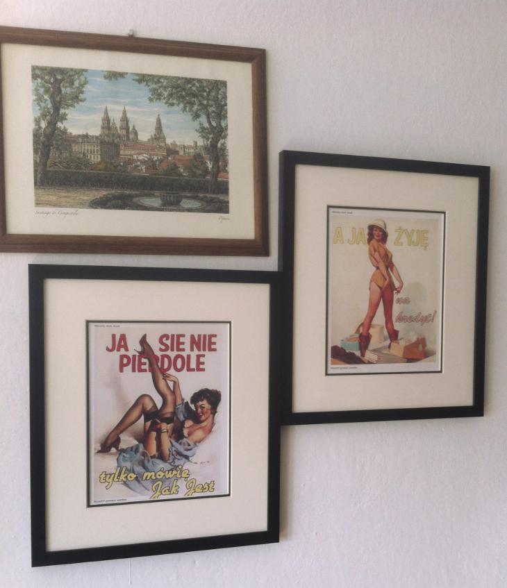 Plakaty na ścianie